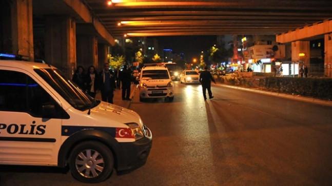 Çeşitli suçlardan aranan 439 kişi İzmir'de yakalandı