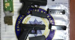 Sınır kaçakçısından suikast silahları çıktı